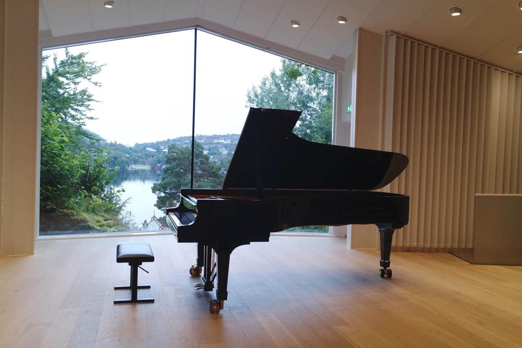 بيبي قراند بيانو (اسود)