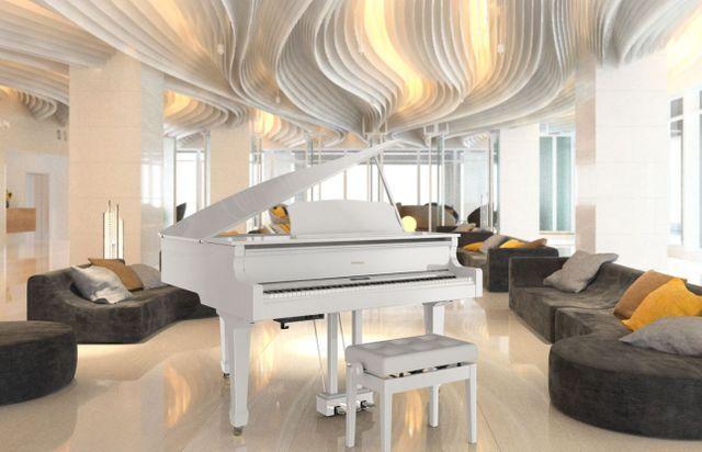 قراند بيانو (أبيض)